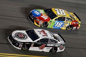 В NASCAR определились все претенденты на титул, Буш выиграл предпоследнюю гонку сезона