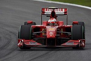A Brazil Nagydíj kaotikus első köre: Räikkönen üzemanyagot kapott az arcába