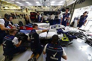 Лоу: Неопытность пилотов осложняет положение Williams