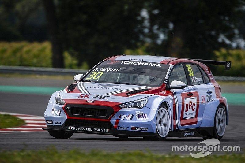 Slovakya WTCR: Tarquini ikinci yarışı kazanarak şampiyona liderliğini geri aldı