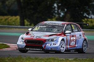 Tarquini ganó la segunda carrera en Eslovaquia