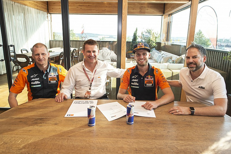 Brad Binder renueva con KTM para 2019