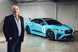 بوبي رحّال جاهز لاستخدام سيارات السباق الكهربائية من جاكوار ومقارعة تيسلا