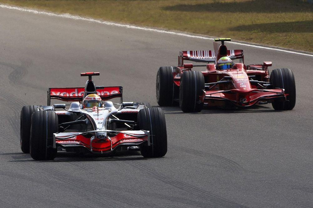 Hamilton a discuté avec Ferrari mais ne regrette rien