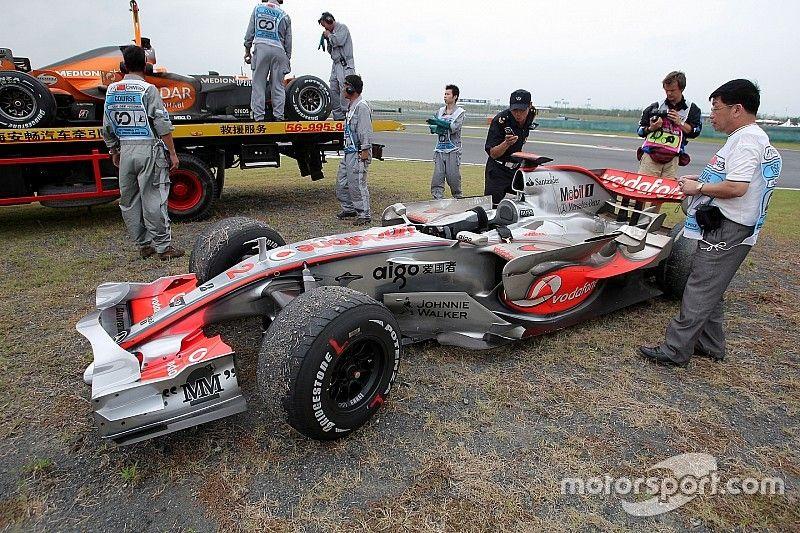 McLaren's 2007 meltdown plays on Mercedes mind