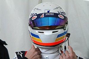 """Alonso: """"En carrera sufres tanto en el coche como cuando no te toca pilotar"""""""