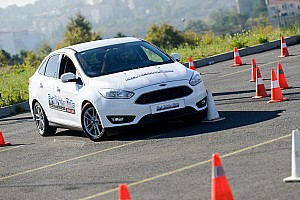 Ford Sürüş Akademisi, genç sürücüleri Murat Bostancı ile eğitti
