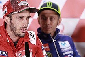 Andrea Dovizioso schaut besorgt in Richtung Yamaha