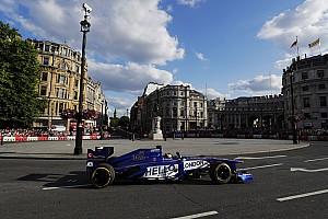 FIA erlaubt 2018 aktuelle F1-Autos bei Demofahrten