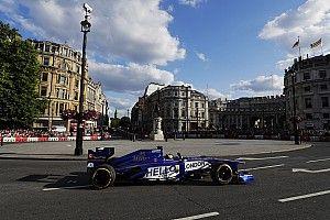 En 2018, espectáculos por las ciudades...¡con coches de F1 actuales!