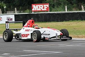 Chennai MRF F1600: Sandeep Kumar pips Arya for win