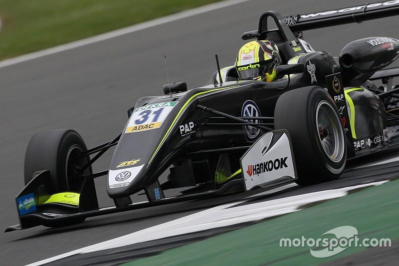 F3 Silverstone: Norris oppermachtig in eerste race
