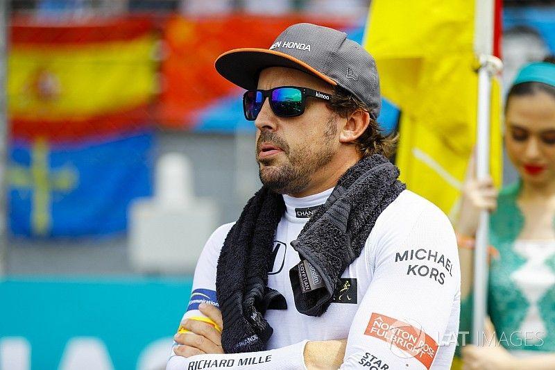 Alonso sebut kemenangan Red Bull di Malaysia beri McLaren tekanan