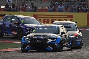 Comtoyou Racing con Comini e Van Der Linde a Spa-Francorchamps