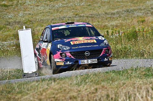 Jari Huttunen e Tamara Molinaro con le Opel Adam R2 in Germania
