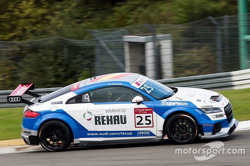 Doble victoria de Azcona en Nurburgring para situarse líder de la Audi Sport TT Cup