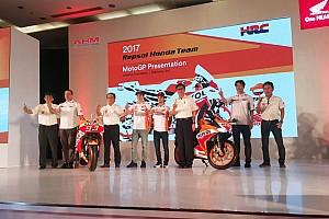 MotoGP BRÉKING MotoGP: Indonéziában mutatták be a Honda idei motorját