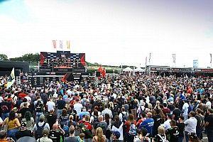 """Rea blasts """"comical"""" Donington Park WSBK crowd limits"""