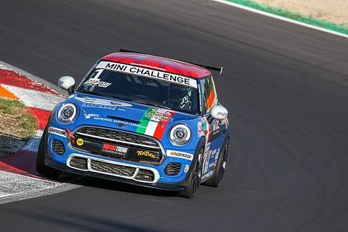 MINI Challenge: a Vallelunga Sandrucci domina e conquista la pole