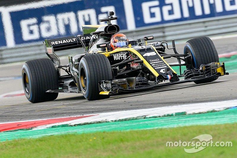 Renault en Doornbos vermaken publiek in Assen met Formule 1-actie