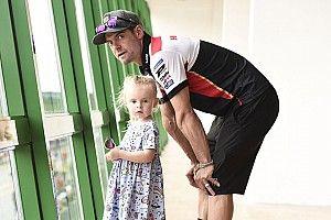 """Crutchlow y el retiro: """"Quiero llevar a mi hija a la escuela"""""""