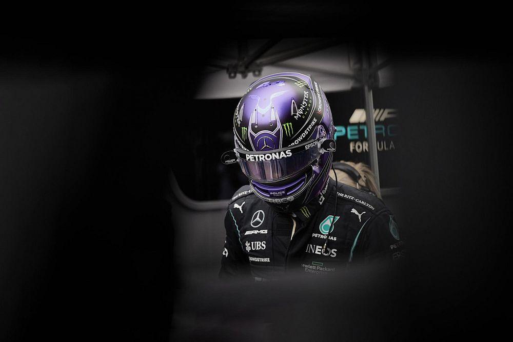 Hamilton kételkedik a Mercedes fejlesztéseiben