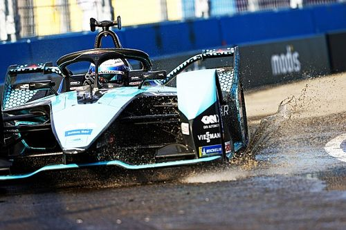 E-Prix New York 2: Bird in pole. Jaguar domina la prima fila