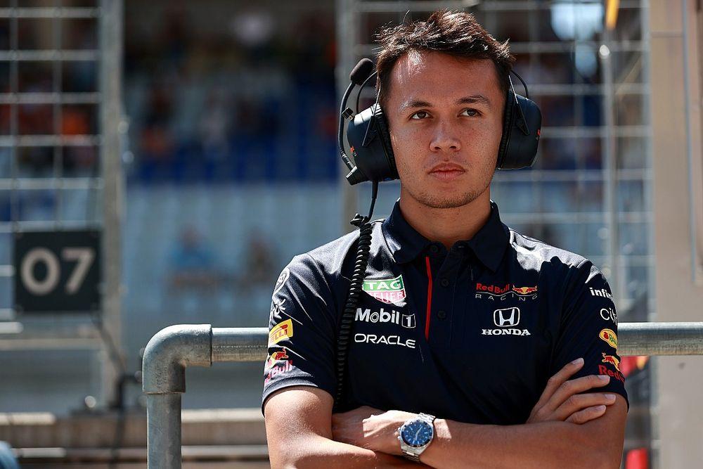"""F1: Red Bull explica 'reconstrução' de acidente com Albon e diz que incidente é """"capítulo encerrado"""""""
