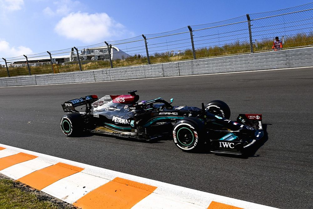Dutch GP: Hamilton tops disrupted opening practice