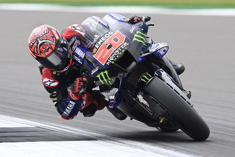 MotoGPイギリス決勝:クアルタラロ今季5勝目! エスパルガロ兄、意地の走りでアプリリアに初表彰台をプレゼント