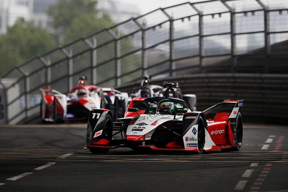 VÍDEO: Veja a polêmica parada de Di Grassi que rendeu a bandeira preta no ePrix II de Londres da F-E