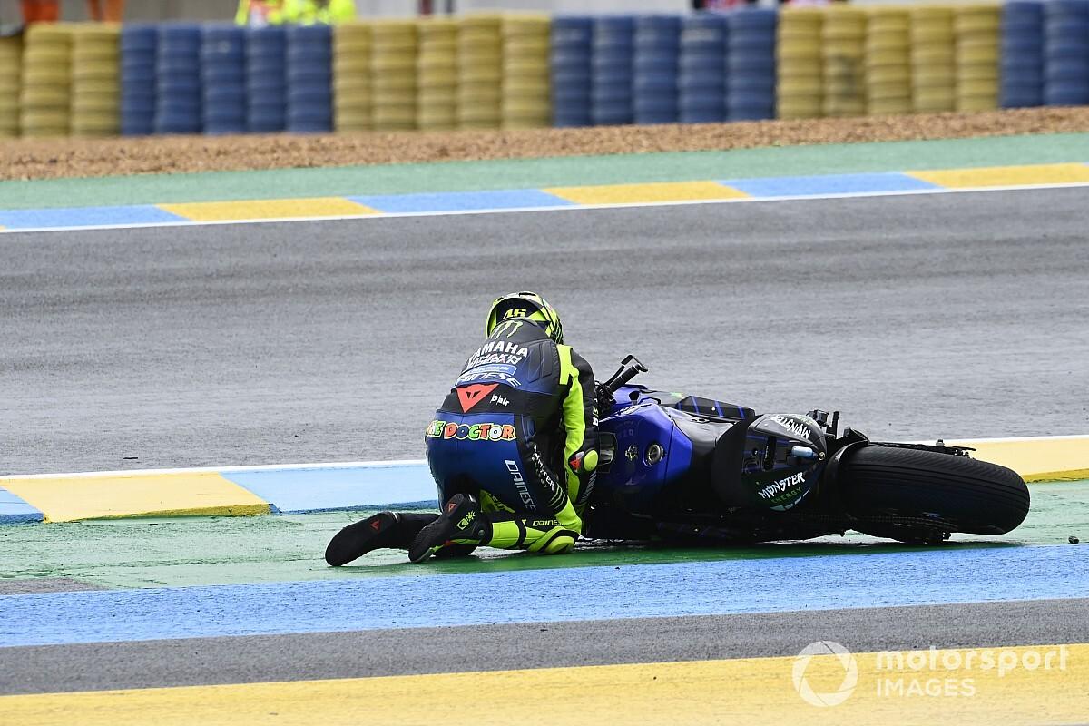 """روسي """"لم يفهم"""" السبب وراء سقوطه في سباق فرنسا للموتو جي بي"""