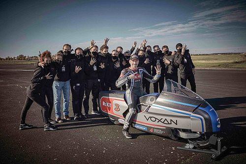 Biaggi bate 11 récord con una moto eléctrica... y motor Mercedes