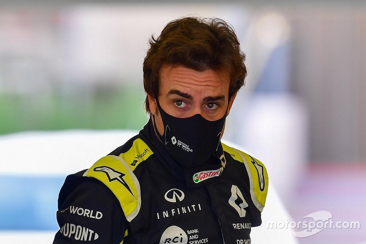 F1-coureur Alonso in ziekenhuis na aanrijding op racefiets