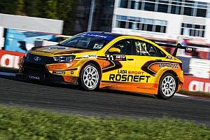 Lada и Hyundai выиграли по гонке на Moscow Raceway