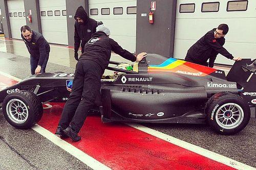 El equipo de Alonso en la Fórmula Renault se estrena en pista
