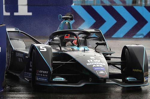 Вандорн завоевал первый поул в Формуле Е на сырой трассе в Гонконге