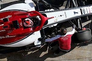 Скорость Alfa Romeo осталась загадкой для Райкконена