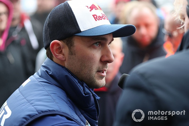 Jordan taken to hospital after Donington BTCC crash
