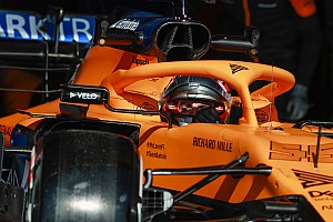 McLaren MCL35 a pályán: jelenetek
