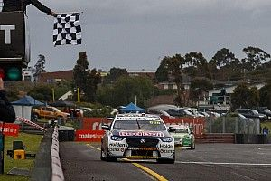 Sandown 500: Heat win hands pole to Whincup/Lowndes