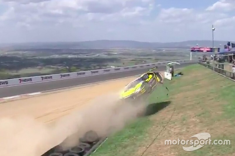 Vidéos - Les impressionnants crashs de samedi à Bathurst