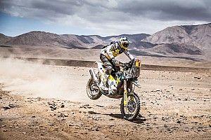 Quintanilla recupera el liderato tras lucirse en las dunas de Tanaka