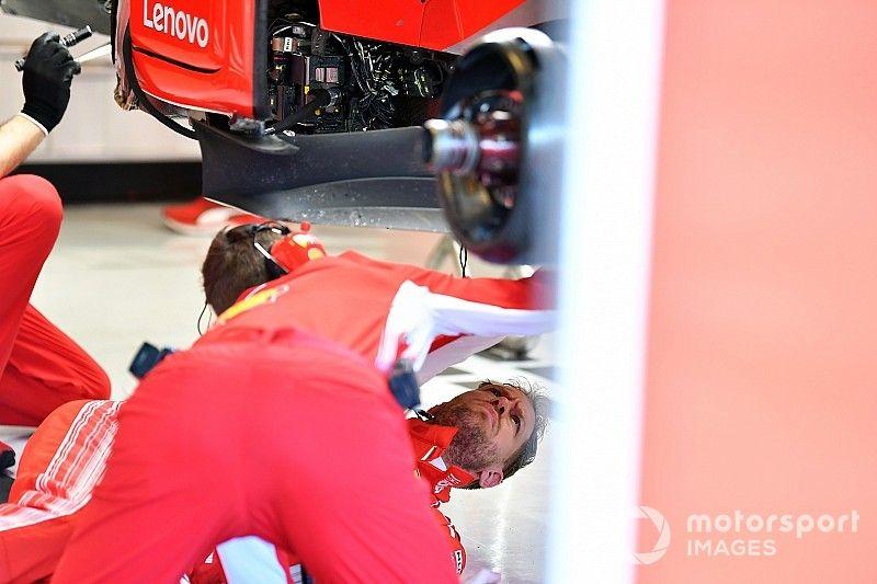 Vettel perdió tiempo por daños en su Ferrari en Abu Dhabi