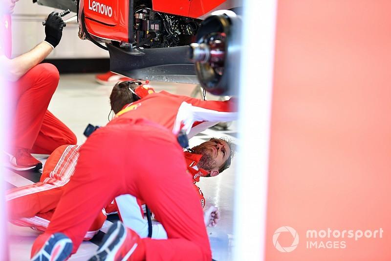 Ferrari: Vettel si infila sotto alla SF71H per controllare il fondo danneggiato