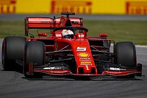 Vettel verslaat Hamilton voor pole, Verstappen elfde na code rood