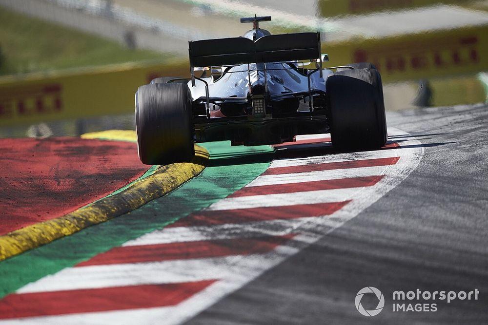 F1, GP d'Austria: tolti i cordoli dissuasori in curva 9 e 10