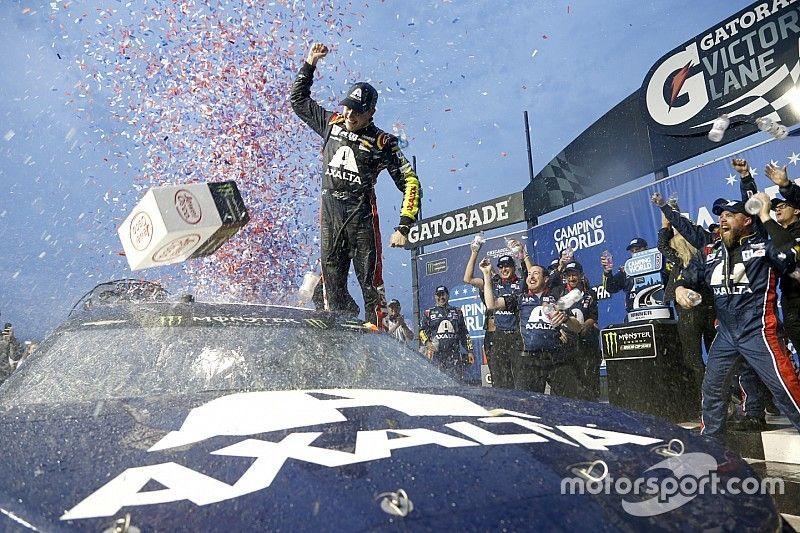 Alex Bowman vence a Larson para su primer triunfo en la Copa