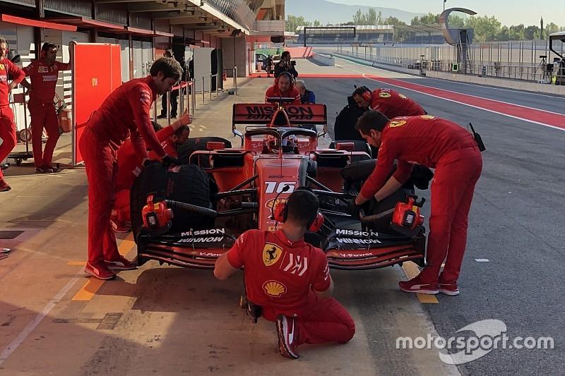 Ferrari prowadzi na testach