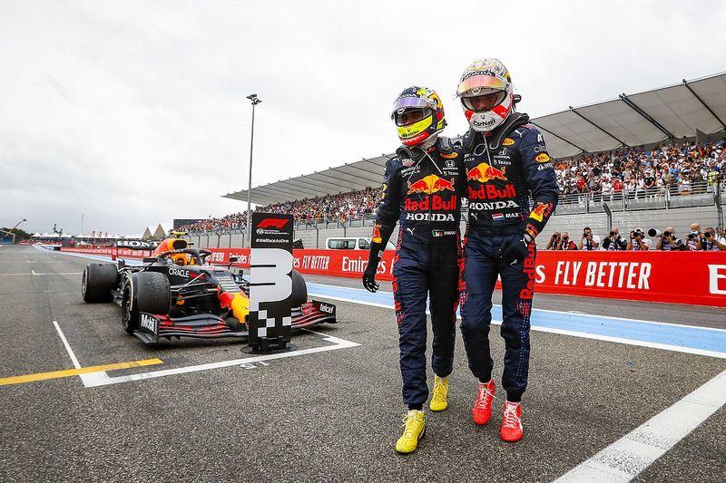 """Dubbelinterview Verstappen en Perez: """"Hebben veel geleerd van Turkije"""""""